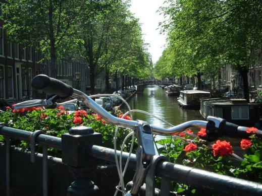 Amsterdam - 250486_133881443353777_4117108_n-2