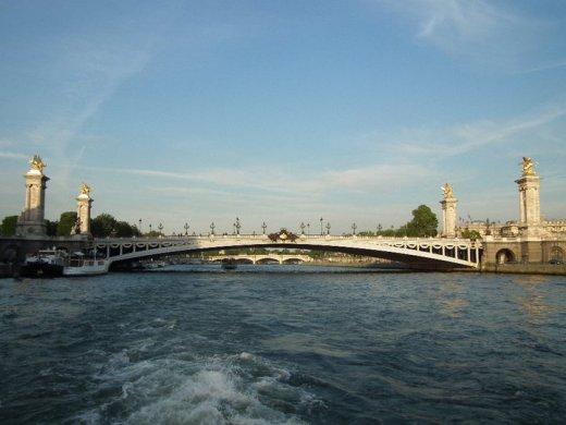 Paris - 253967_135339786541276_2791530_n-1